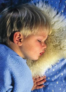 Ранка в уголке губ у ребенка фото