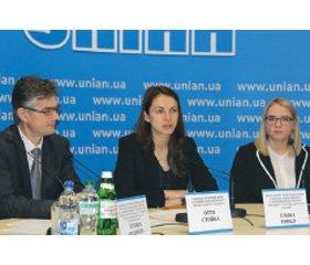 Українці курять менше: результати опитування КМІС