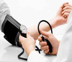 Засновані на доказах рекомендації 2014 року з лікування високого артеріального тиску в дорослих осіб