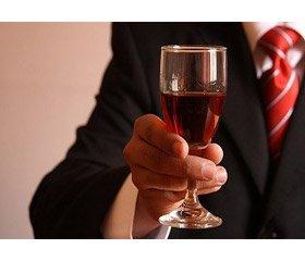 Пам'ятка пацієнту: чи можна вживати алкоголь при ХХН і скільки?