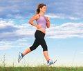 Спортивная ходьба оказалась более полезной, чем бег
