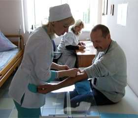 Немедикаментозне лікування цефалгічного синдрому, обумовленого венозною дисциркуляцією, у хворих  із наслідками черепно-мозкових травм