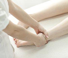 Препараты кальция и витамин D3 вкомплексе с адекватным остеосинтезом при псевдоартрозах костей голени и бедра