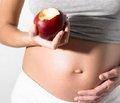 Ежедневный прием препаратов железа во время беременности повышает массу тела новорожденного