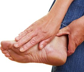 Randomized control trial of topical clonidine for treatment of painful diabetic neuropathy